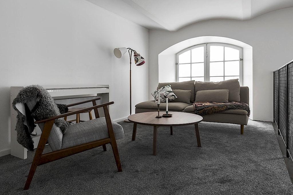 второй уровень зона отдыха диван кресло