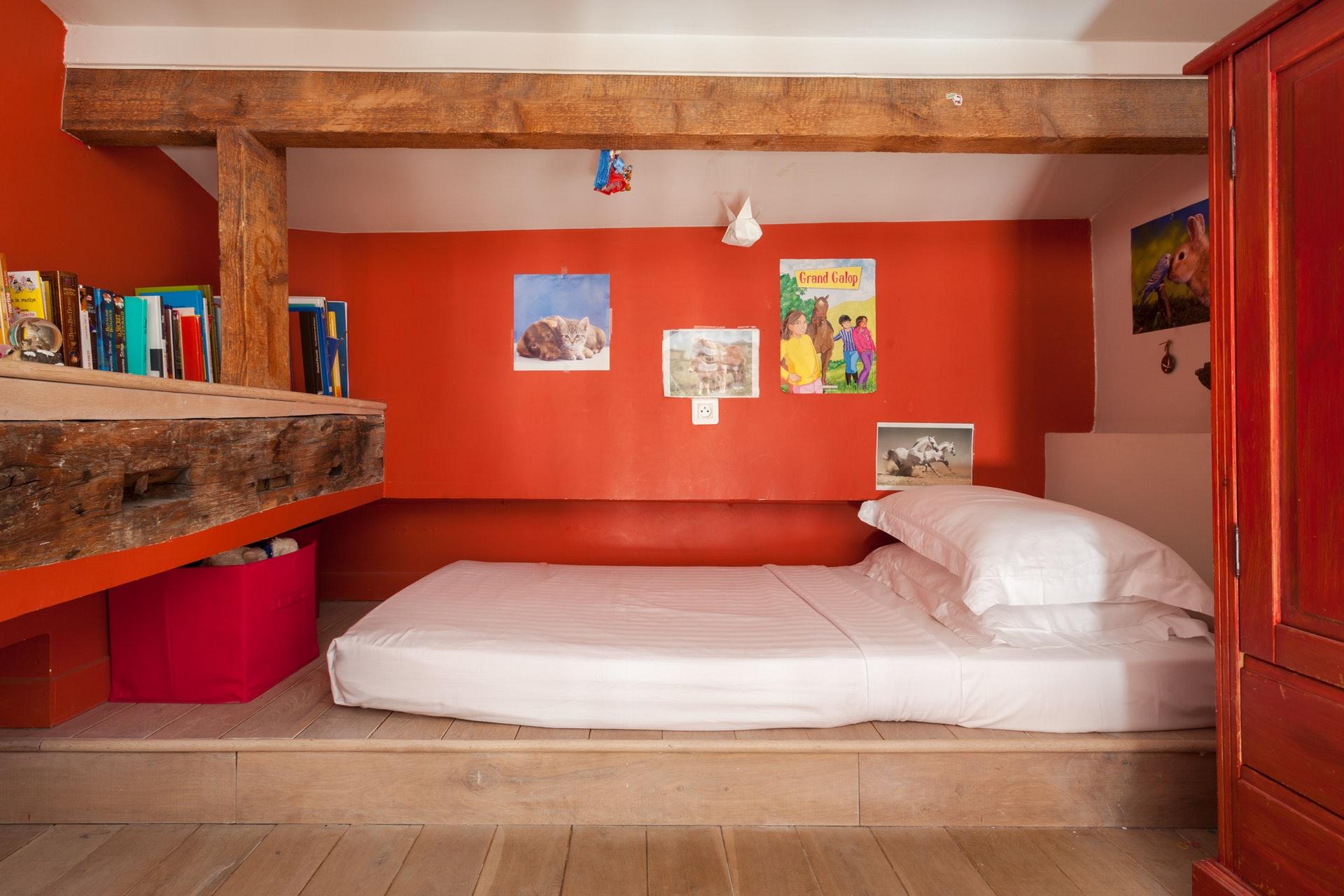 детская спальня кровать антресоли