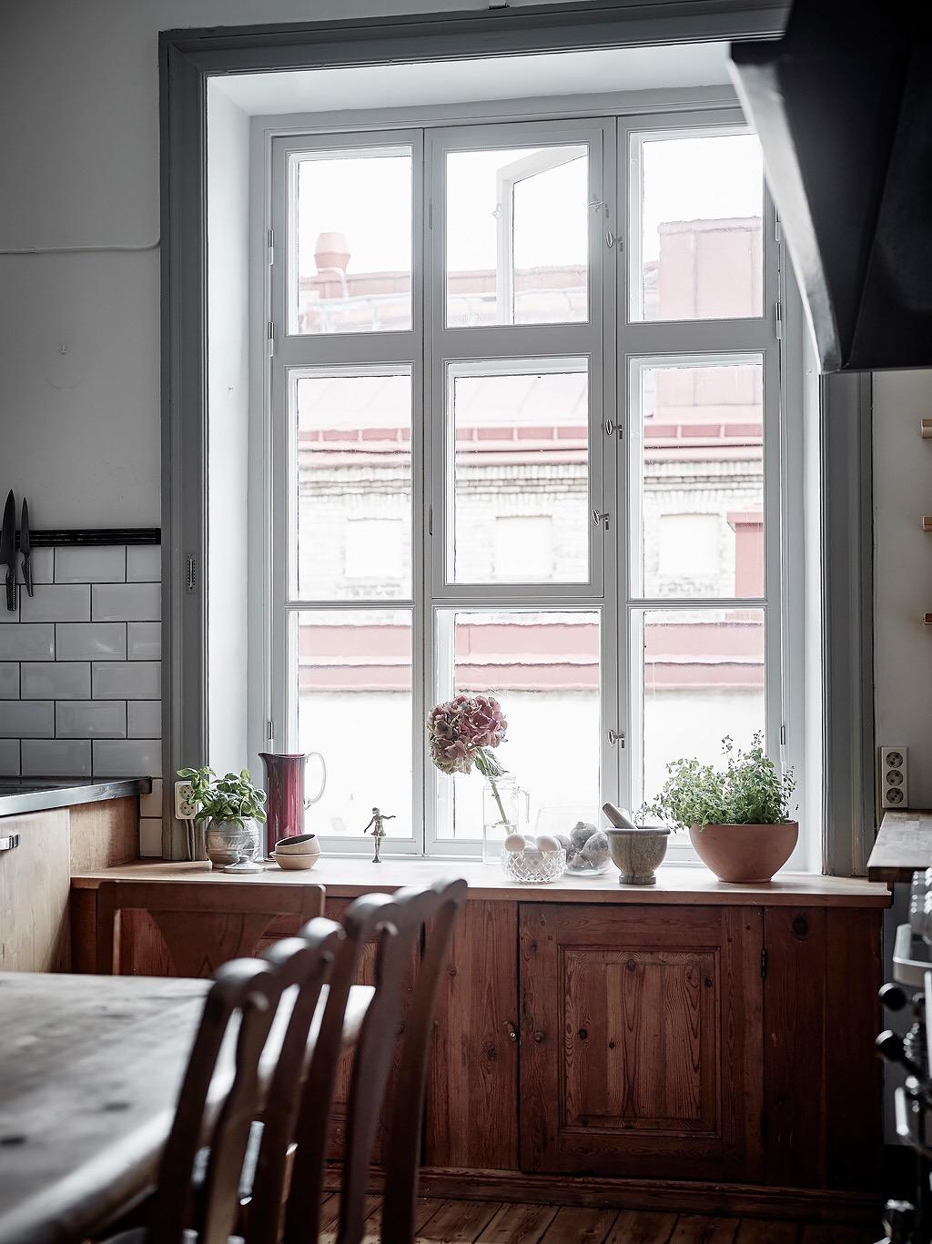 кухня окно наличники комод