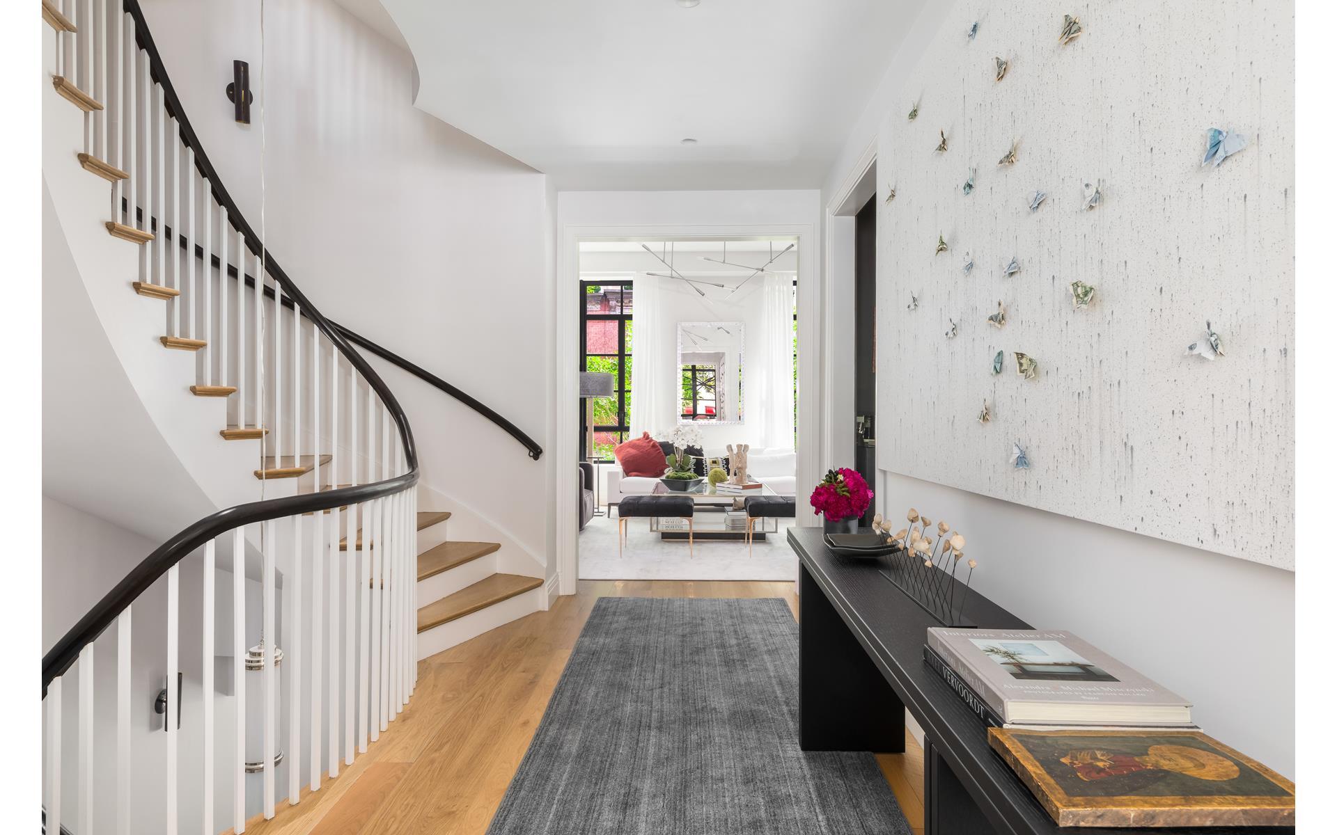 коридор консоль скамья лестница