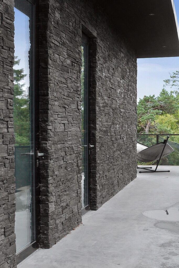 фасад загородного дома камень