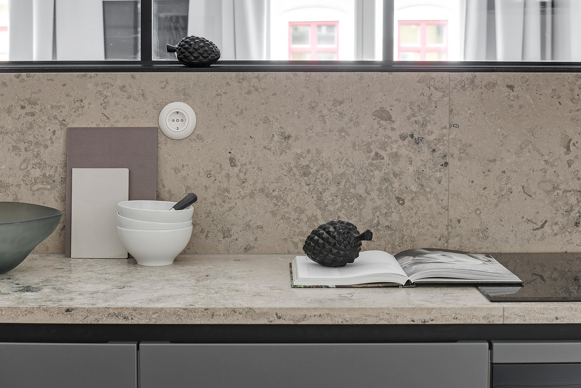 кухонная мебель столешница мрамор камень