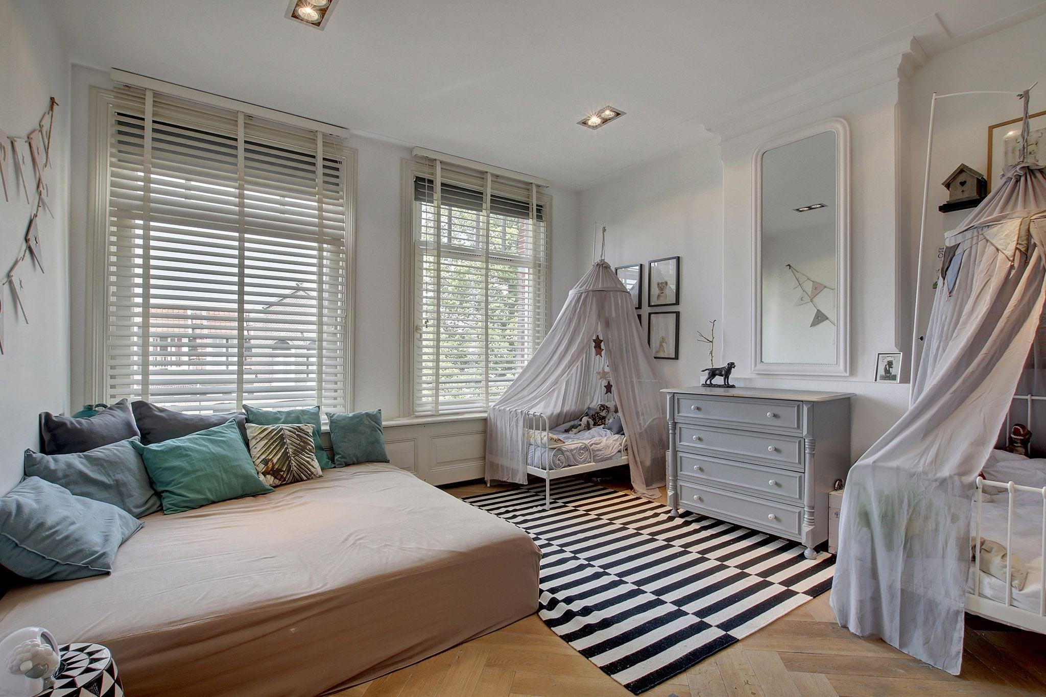 детская комната кровать полог балдахин комод