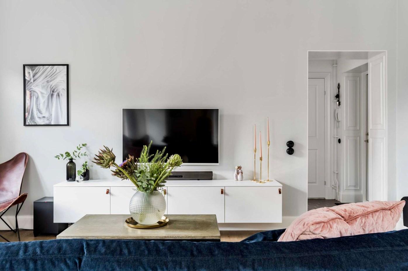 телевизор гостиная