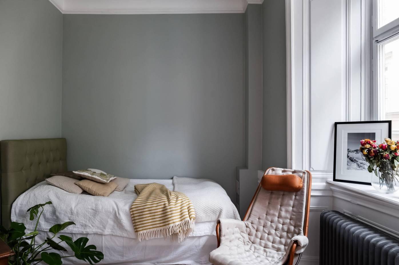 спальня кровать окно откосы