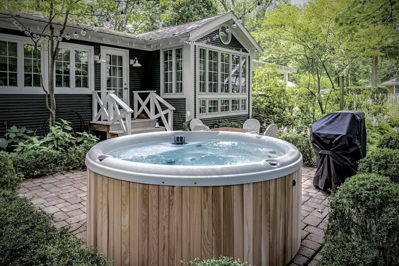 крыльцо уличная ванна джакузи