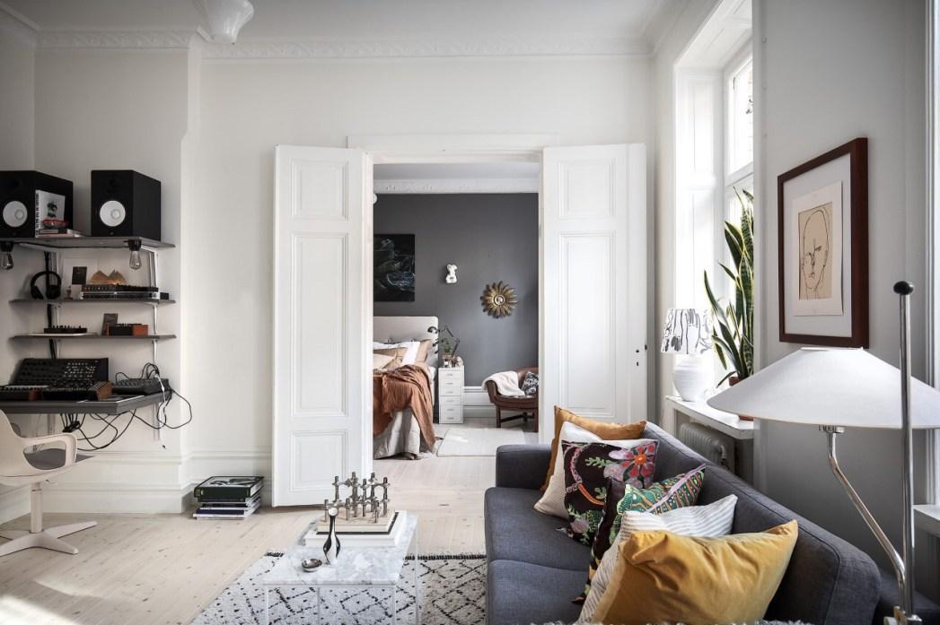 kvartira-57-kv-m-raspashnye-dveri