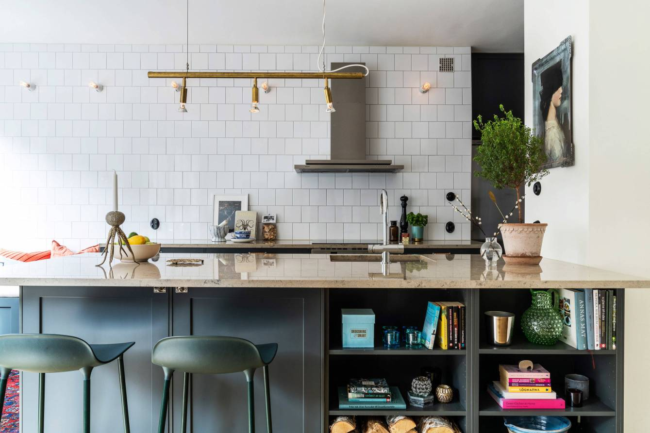 kitchen island book shelves