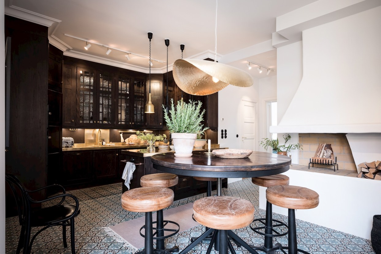 kitchen dining table bar chairs