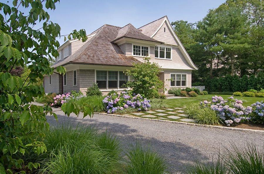 farmhouse landscape ideas
