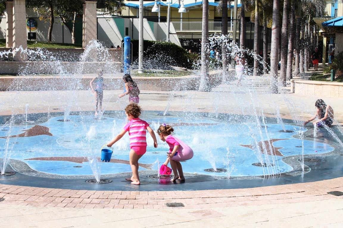 modern round fountain for kids