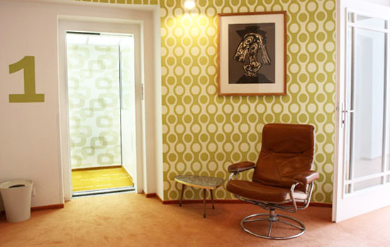 modern orange chair office chairs no wheels 24 retro decor ideas, furniture and room decorating ideas in 70s style