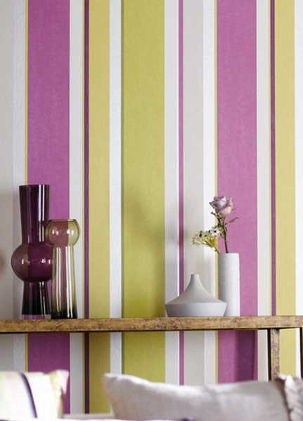 25 Ways to Jazz up Modern Wall Decoraitng with Striped Wallpaper