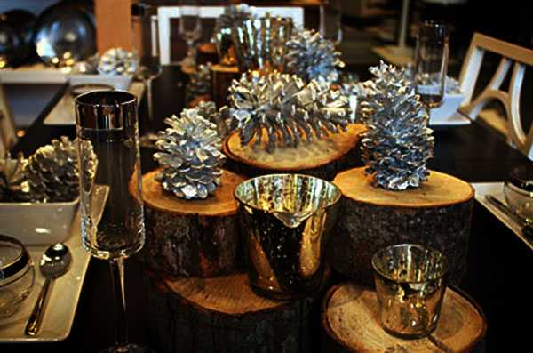 Glamorous Christmas Decor Ideas Blending Black with Silver and Golden Colors