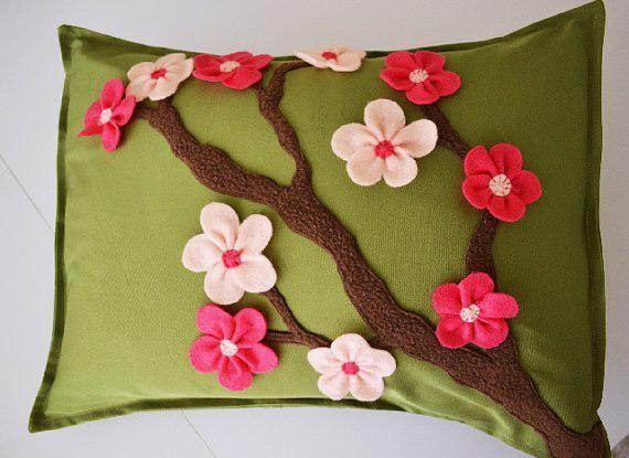 Creative Fabric Applique and Embroidery Designs Turning Pillows into Artworks