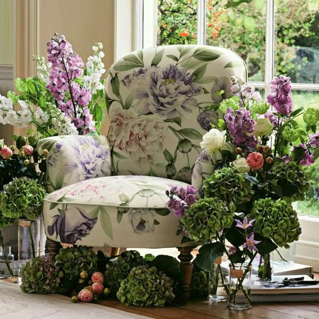 Beautiful Wallpapers And Upholstery Fabrics With Modern