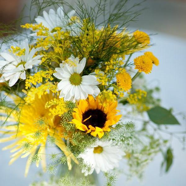Beautiful Flowers and Unique Sunflower Wedding Decorating Ideas