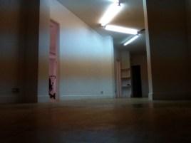 Visto desde la zona cofee break también queda genial. El techo, ahora, es un elemento decorativo muy potente