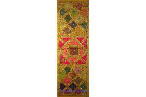 tcamino de mesa alargado de Indua amarillo