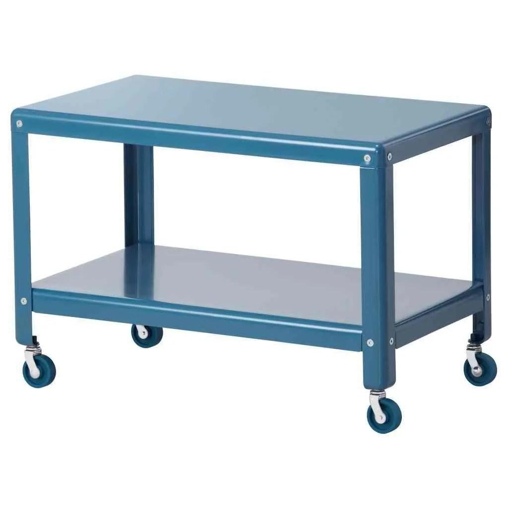 Funcionales mesas auxiliares en Ikea