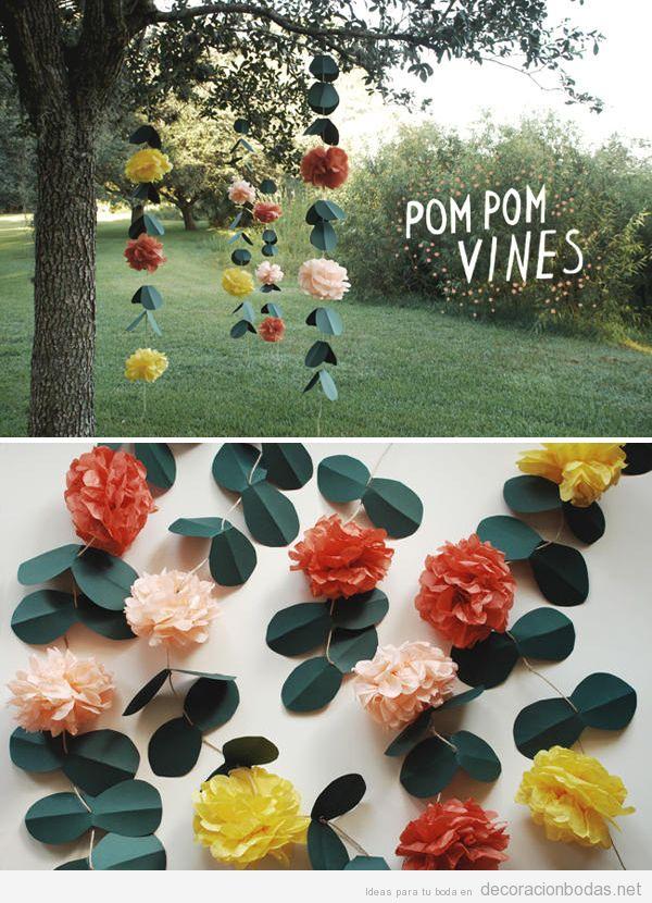guirnalda o cortina con pompones de papel y hojas idea diy para decorar una boda