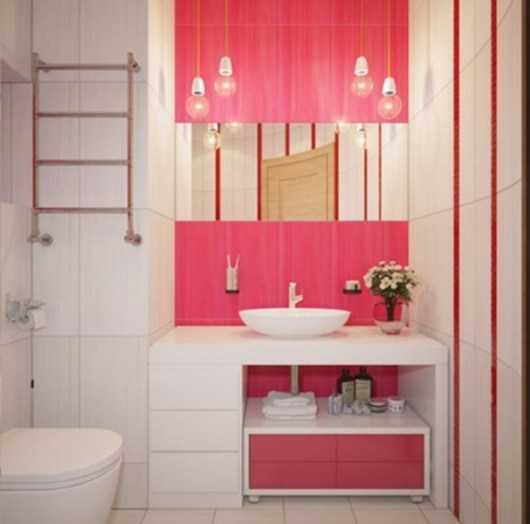 focal point in hot pink