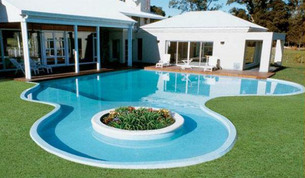 Diferencias entre piscinas prefabricadas y piscinas de obra decoracion de exteriores - Como se hace una piscina ...