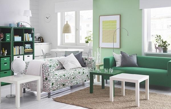 Además, si eres freelance y trabajas desde casa, puedes crear una zona que combina espacio de trabajo con salón. Una elección perfecta para vivir esa experiencia de trabajar en un entorno de armonía que también incluye espacio para el descanso. ¿Y qué mejor que seguir la esencia de luz del estilo escandinavo que te propone Ikea?