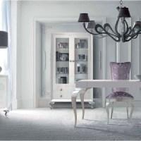Elegante salón y comedor blanco y plata
