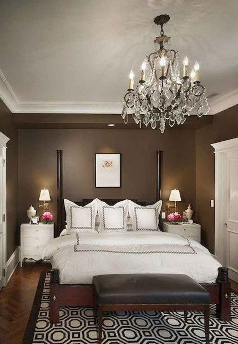 23 Cozy Small Master Bedroom Decorating Ideas