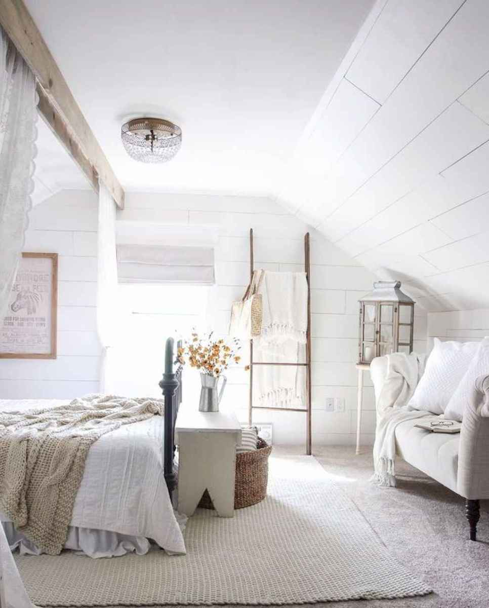 24 Affordable Farmhouse Style Bedroom Decorating Ideas