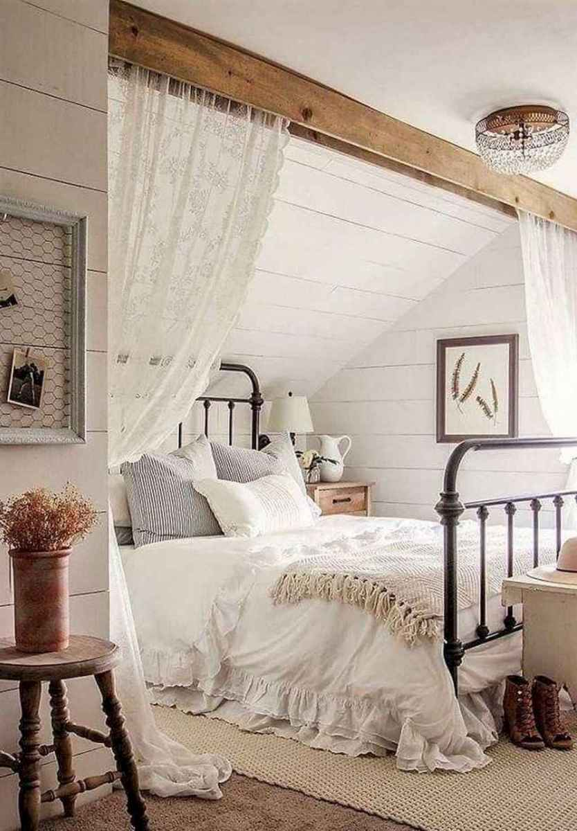 05 Rustic Farmhouse Apartment Decorating Ideas