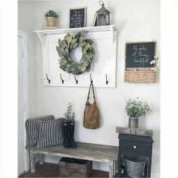 07 Welcoming Rustic Farmhouse Entryway Decorating Ideas