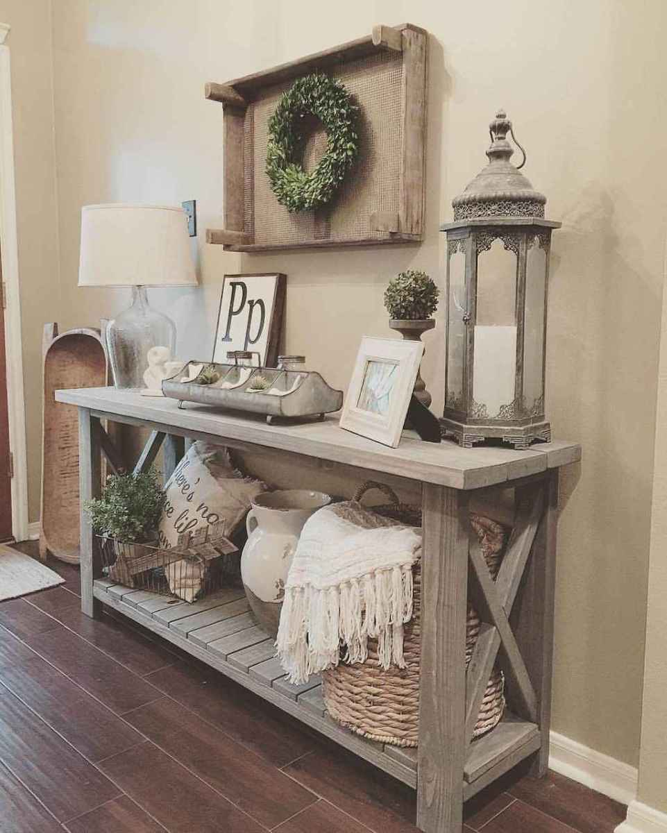 12 Welcoming Rustic Farmhouse Entryway Decorating Ideas