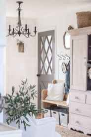 34 Welcoming Rustic Farmhouse Entryway Decorating Ideas