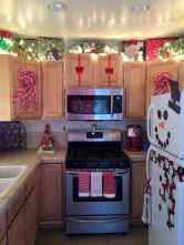 28 Cozy Christmas Kitchen Decorating Ideas