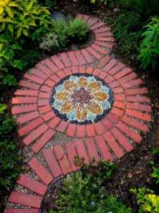 10 Magnificent DIY Mosaic Garden Path Decorations For Your Inspiration