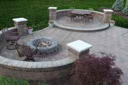 16 Awesome Backyard Fire Pits with Seating Ideas
