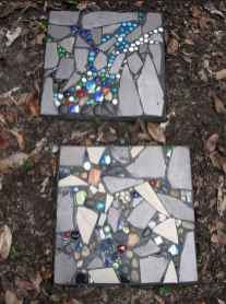 18 Magnificent DIY Mosaic Garden Path Decorations For Your Inspiration