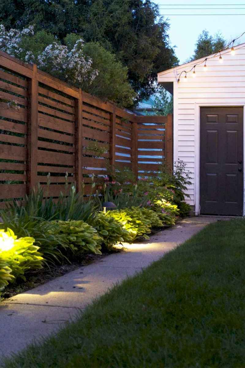 20 DIY Backyard Privacy Fence Design Ideas on A Budget