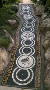 44 Magnificent DIY Mosaic Garden Path Decorations For Your Inspiration