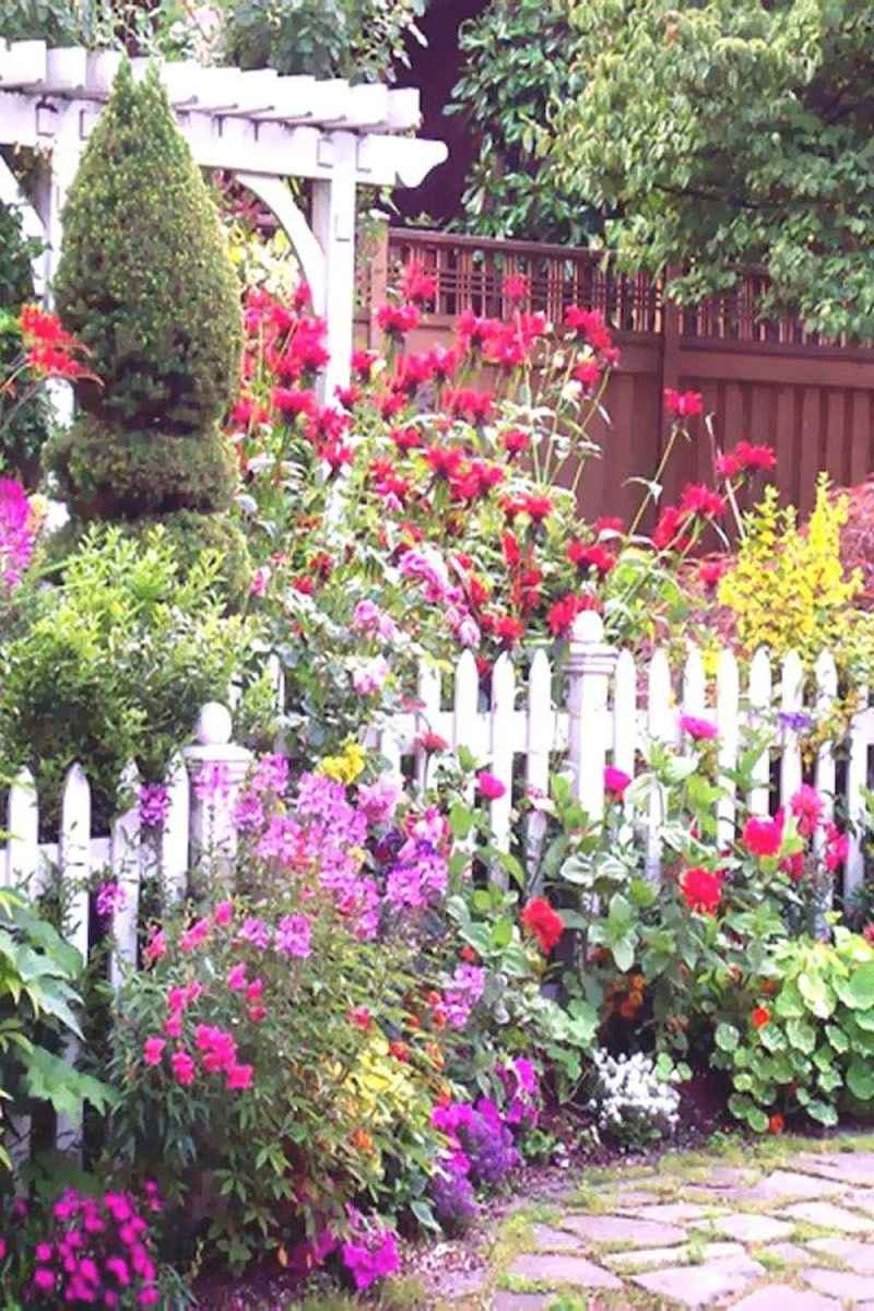 02 Stunning Cottage Garden Ideas for Front Yard Inspiration