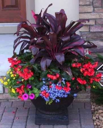 15 Fresh and Easy Summer Container Garden Flowers Ideas