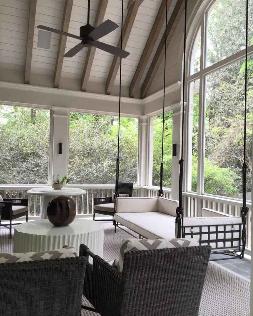 16 Gorgeous Farmhouse Screened In Porch Design Ideas for Relaxing