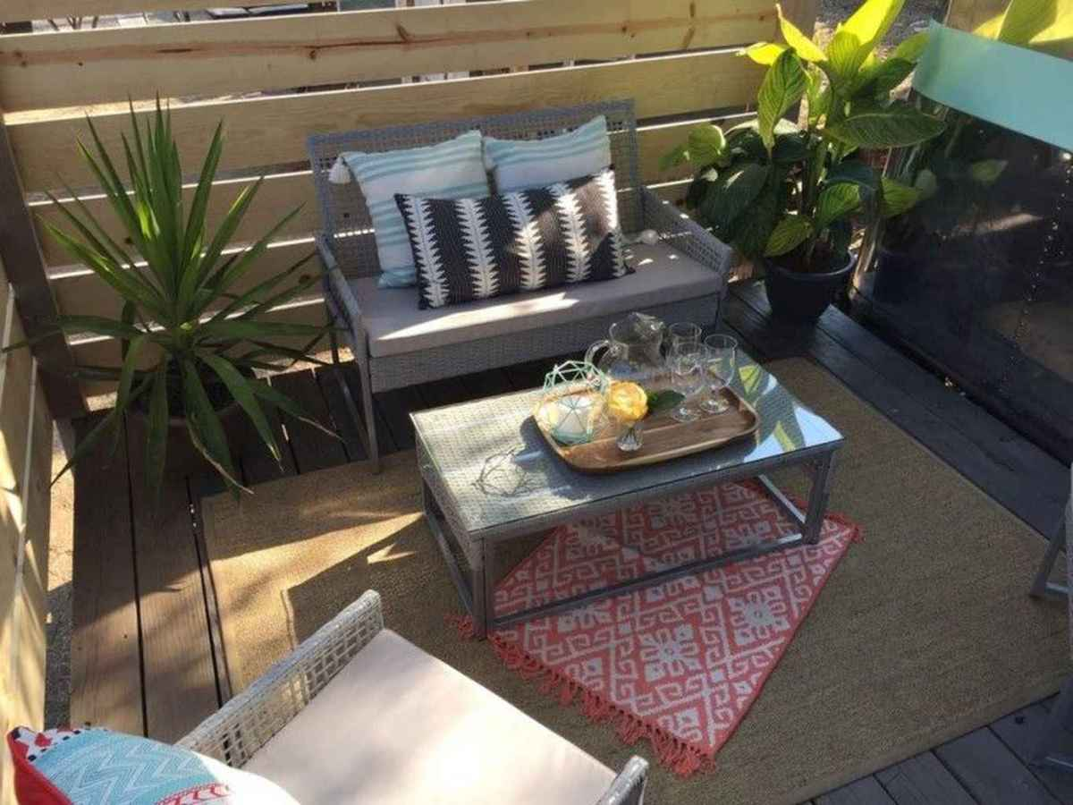 31 Small Front Porch Seating Ideas for Farmhouse Summer