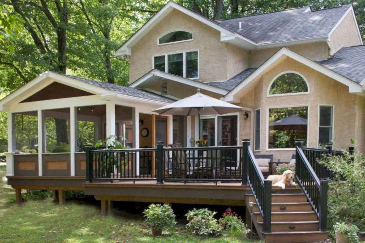 44 Gorgeous Farmhouse Screened In Porch Design Ideas for Relaxing