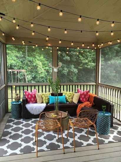 59 Gorgeous Farmhouse Screened In Porch Design Ideas for Relaxing