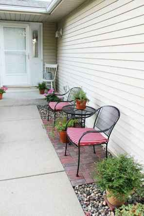 70 Small Front Porch Seating Ideas for Farmhouse Summer