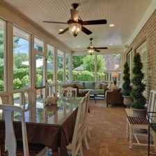 81 Gorgeous Farmhouse Screened In Porch Design Ideas for Relaxing