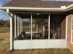 82 Gorgeous Farmhouse Screened In Porch Design Ideas for Relaxing